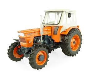 UNIVERSAL HOBBIES 1:32 Tractor FIAT 750 Special DT - 4 WD con cabina FRITZMEIER