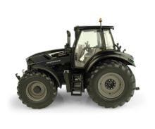 UNIVERSAL HOBBIES 1:32 Tractor DEUTZ-FAHR 7250 TTV Warrior - Ítem1