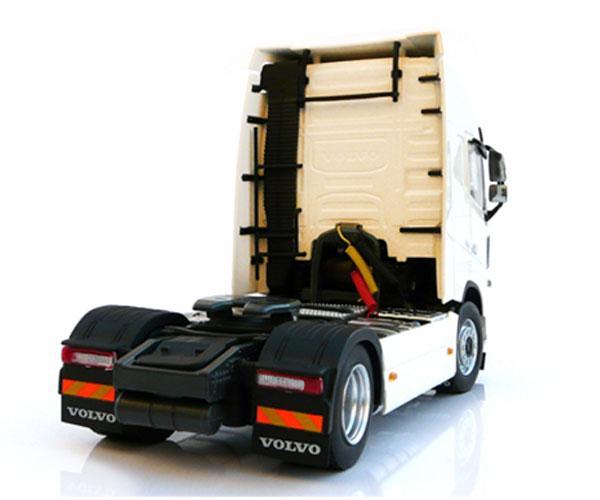 MARGE MODELS 1:32 Camión VOLVO FH16 4X2 - Ítem2