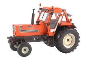 Replica tractor FIAT 1580