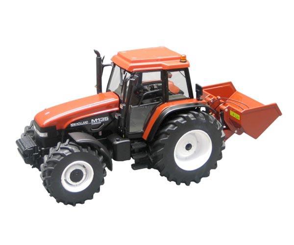 Replica tractor NEW HOLLAND M135