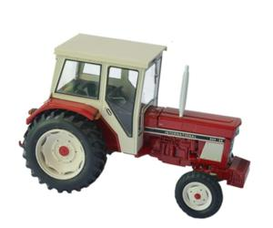 Replica tractor INTERNATIONAL 844-SB