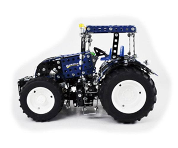 TRONICO 1:16 Kit montaje tractor NEW HOLLAND T8.390 - Ítem1