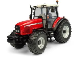 UNIVERSAL HOBBIES 1:32 Tractor MASSEY FERGUSON 8220 XTRA