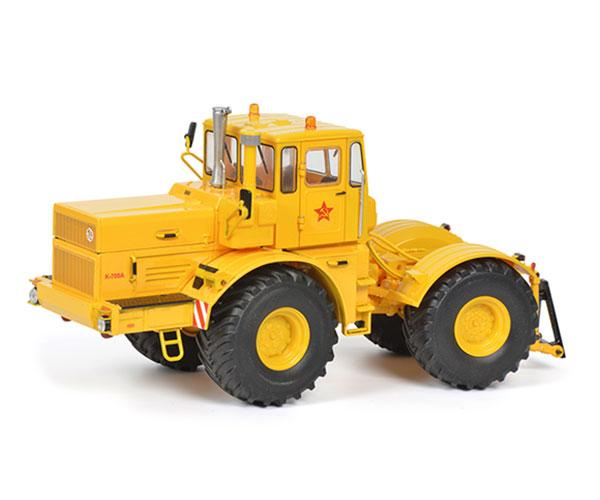 SCHUCO 1:32 Tractor KIROVETS K700A