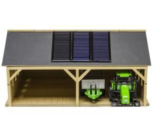 Pack almacén con tres placas solares y tractor con remolque para miniaturas escala 1:50 610048