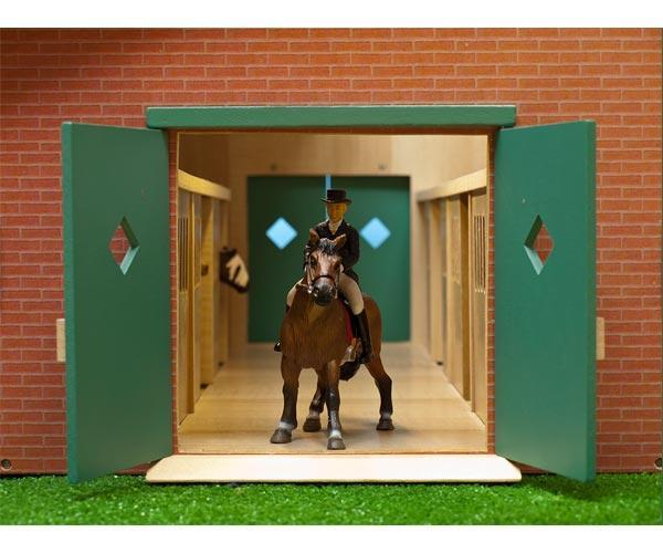 Establo de caballos con 7 cuadras - Ítem1