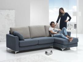 Sofá chaise longue con tapizado en chenilla