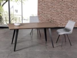 Mesa de comedor de estilo industrial