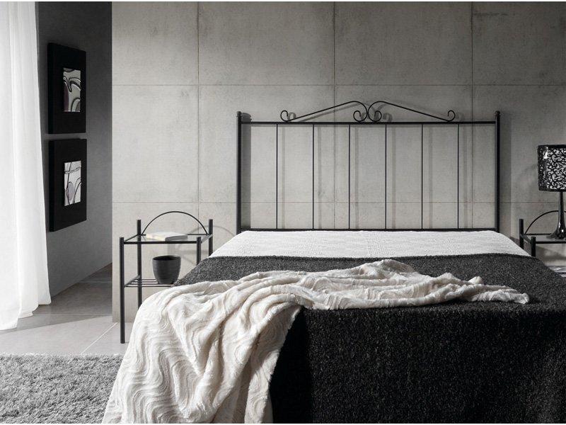 Cabecero cama forja de hierro mueble forja pintado en negro for Lamparas cabezal cama
