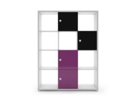 Estantería con cubos multicolores