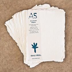 Pack de 20 hojas de acuarela Khadi de 15 x 21 cm, 320 gr/m2, grano grueso