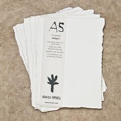 Pack de 10 hojas de acuarela Khadi de 15 x 21 cm, 640 gr/m2, grano grueso