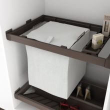Emuca Kit de Cesto ropa y bastidor de guías con bandejas auxiliares para armario, regulable 564-614 mm, color moka - Ítem2