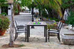 Conjunto mesa fija y 4 sillones con brazos Orlando