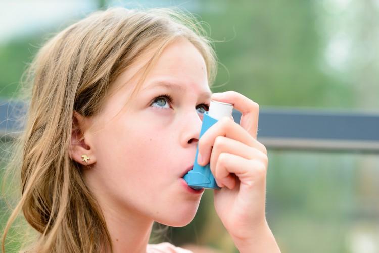 Asma y niños en primavera