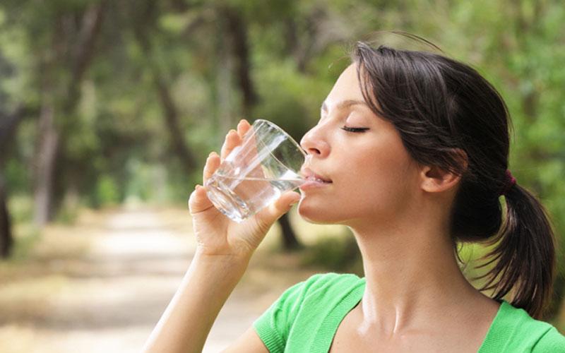 Como conseguir beber más agua