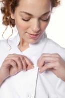 Blusón Artel blanco con botón forrado