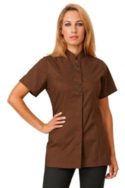 Blusón Siggi Karinne entallado color marrón chocolate, elegante y de tejido fino