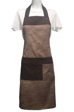 Delantal de cocina marrón ajustable con cierres y dispone de bolsillos