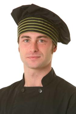 Gorro de cocina Artel negro con adorno de rayas. Es tipo seta y se ajusta mediante velcro