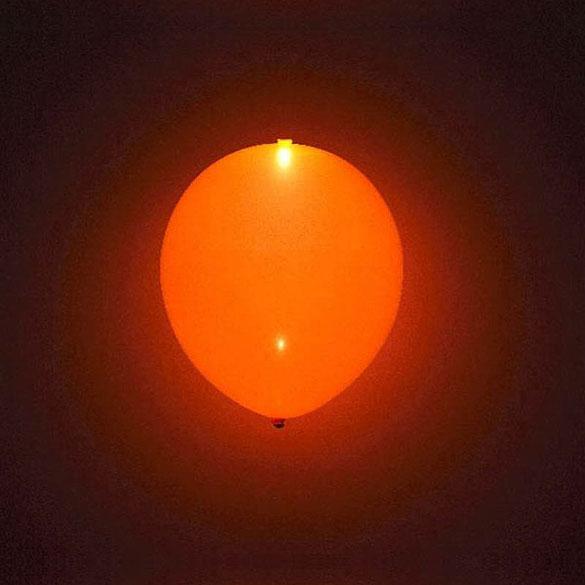 Globos de Látex Luz Led de color Naranja. Pack 5 unidades
