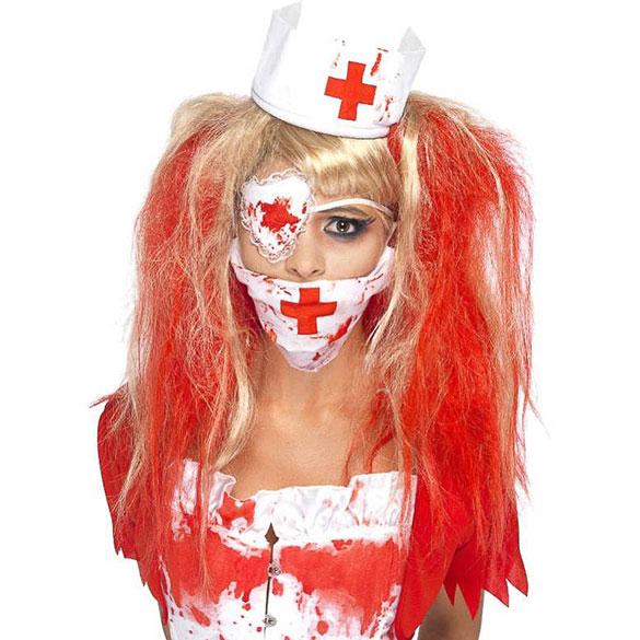 Set enfermera con sangre