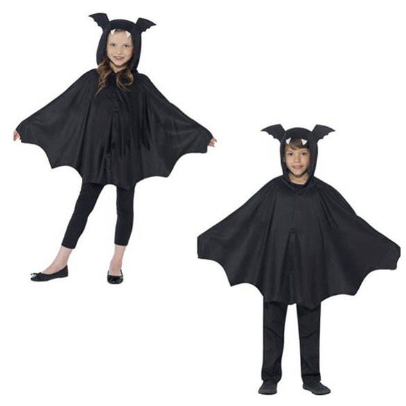 Capa murciélago con capucha