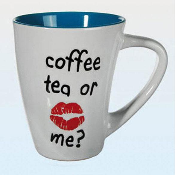 Taza bicolor Coffe, tea or me? blanca y azul