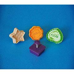 Cortadores de galletas modelo Love con expulsor, Set 4 u.