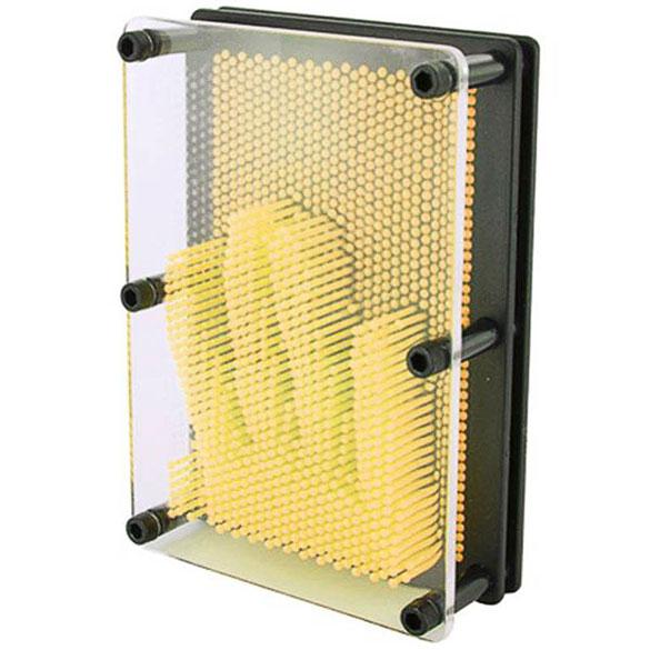 Molde de clavos de plástico amarillo