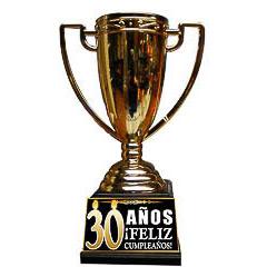 Trofeo 30 años copa dorada con peana negra