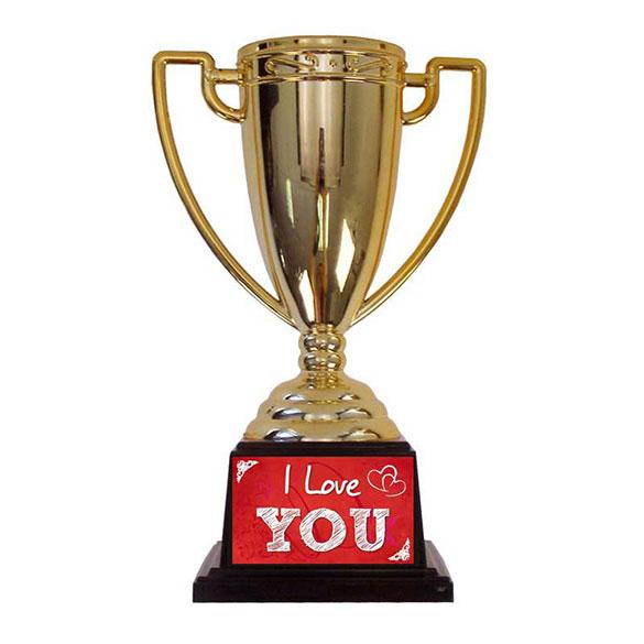 Trofeo Amor copa dorada con peana negra