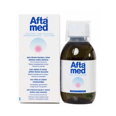 El colutorio de Aftamed alivia el dolor y acelera la curación de aftas, úlceras bucales o llagas en la boca. Irritaciones por dentaduras postizas. Llévatelo ahora en tu Farmacia Online de Confianza