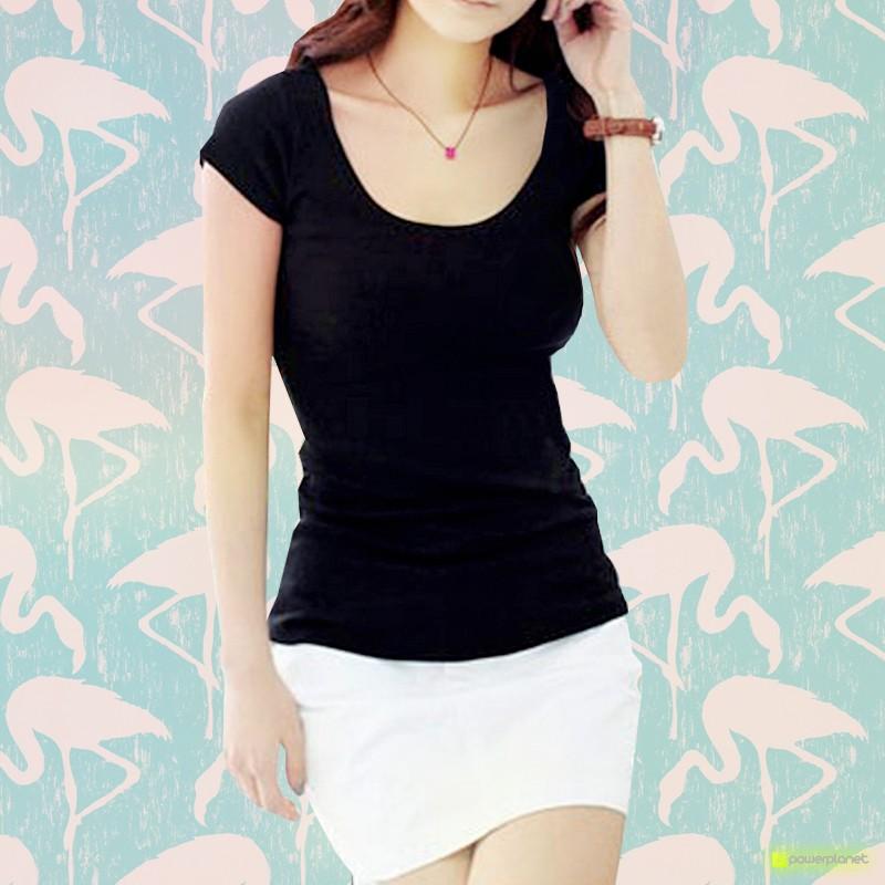 Camiseta Negra Básica Cuello en U
