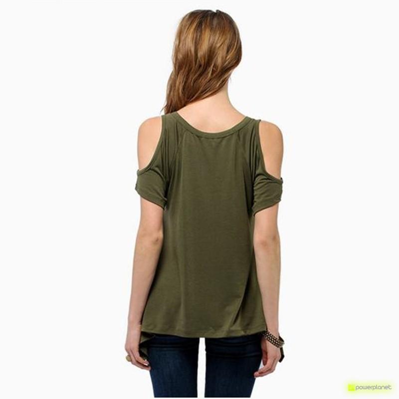 Camiseta Verde Hombro Descubierto - Ítem3