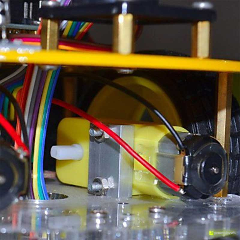 Coche controlado por Bluetooth con Arduino - Ítem1
