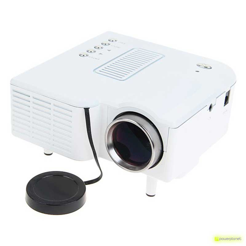 Projector UC28