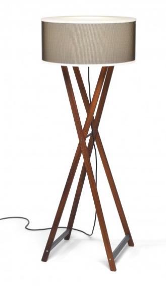 Lámpara para exterior de pie modelo Cala de Marset, diseño de Joan Gaspar.