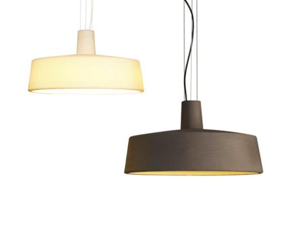 Lámpara de suspensión de rotomoldeo en 10 posibles colores, con forma de lámpara industrial de los años 50