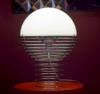 Lampara Wire lamp encendida Verner Panton