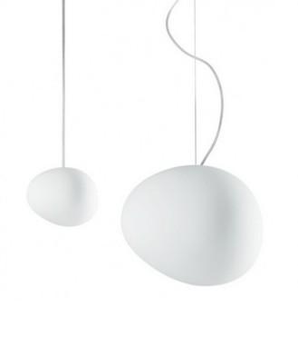 Lámpara Gregg de suspensión con difusor de vidrio soplado blanco de forma orgánica