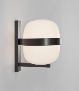 lampara de pared Wally de santa & cole similar a la cestita en versión aplique de pared