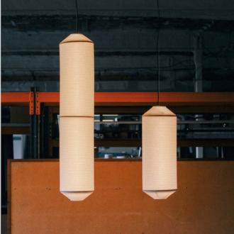 lampara tekio de Santa & Cole modelo vertical