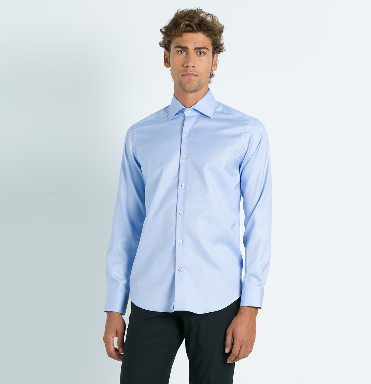 Camisa Formal Wear SLIM FIT cuello italiano modelo ROMA tejido micro dibujo color celeste, 100% Algodón. - Ítem3