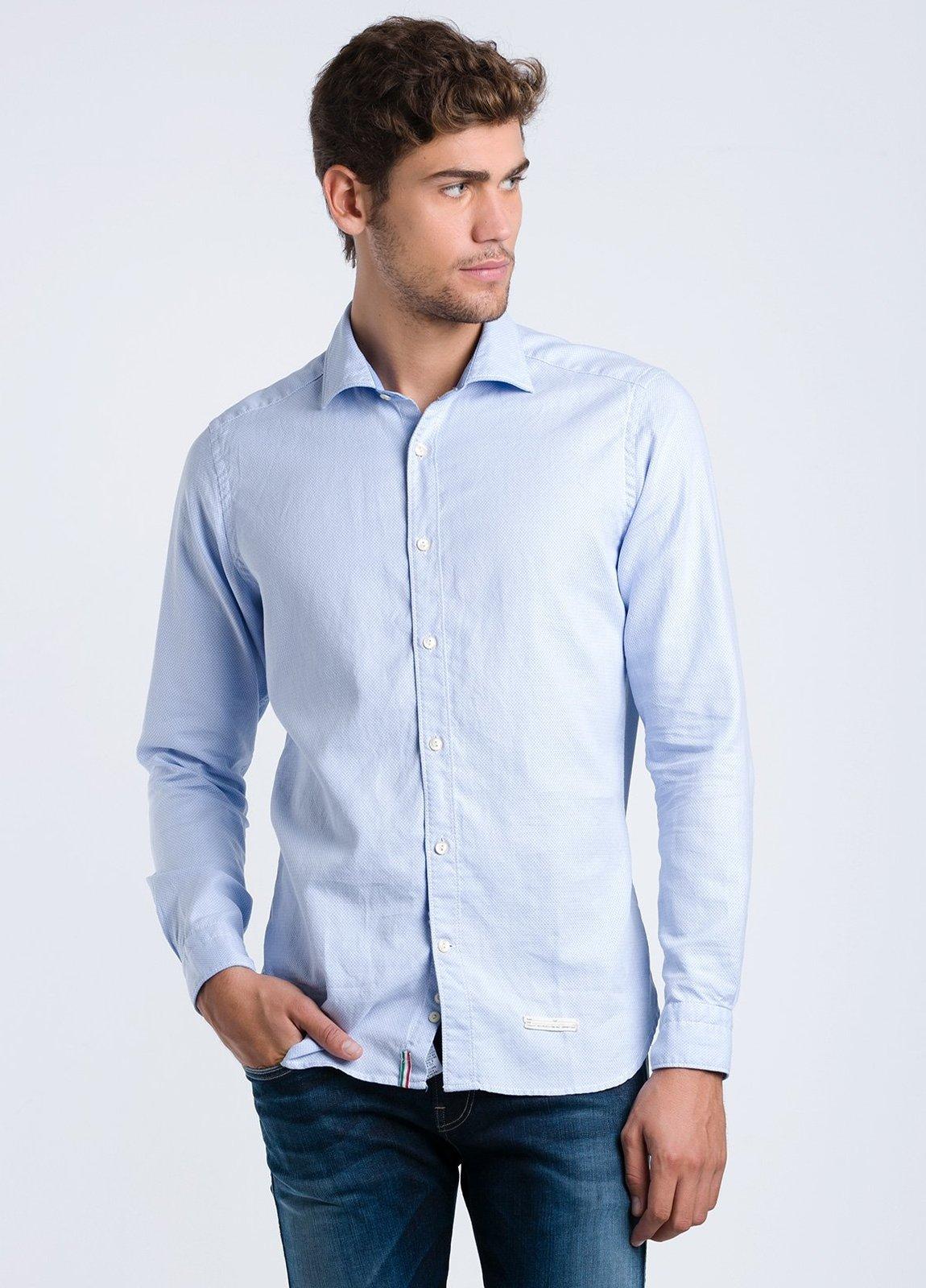 Camisa sport lisa SLIM FIT color celeste con textura, 100% Algodón.