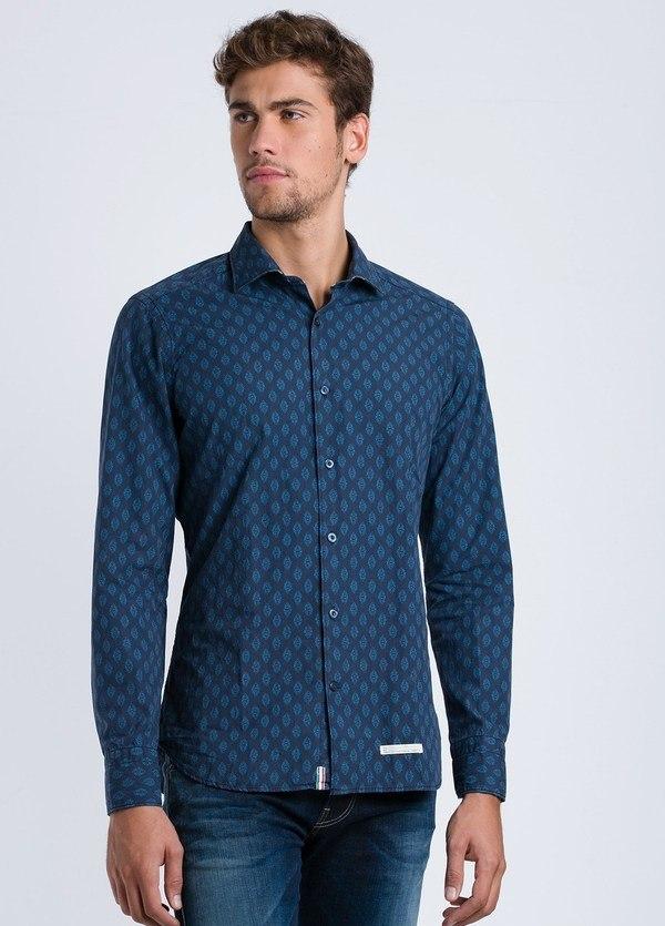Camisa sport estampado geométrico SLIM FIT color azul noche, 100% Algodón.