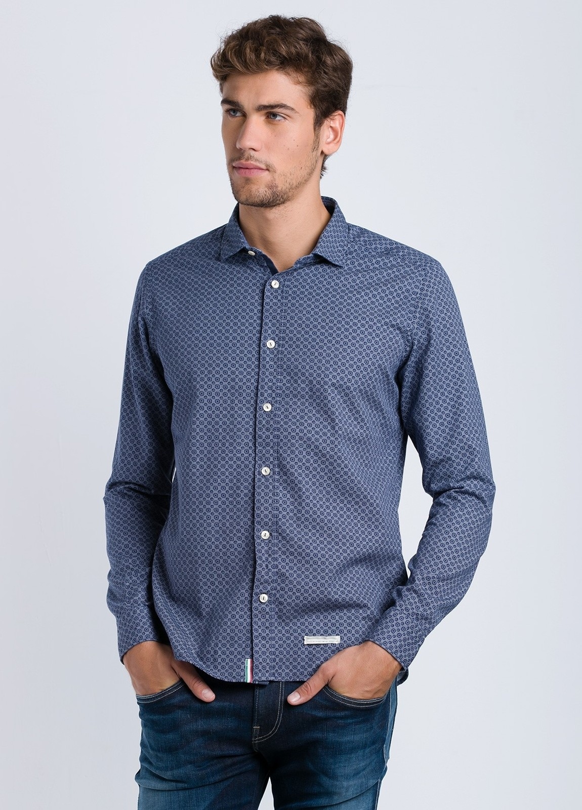 Camisa sport dibujo SLIM FIT color azul, 100% Algodón.