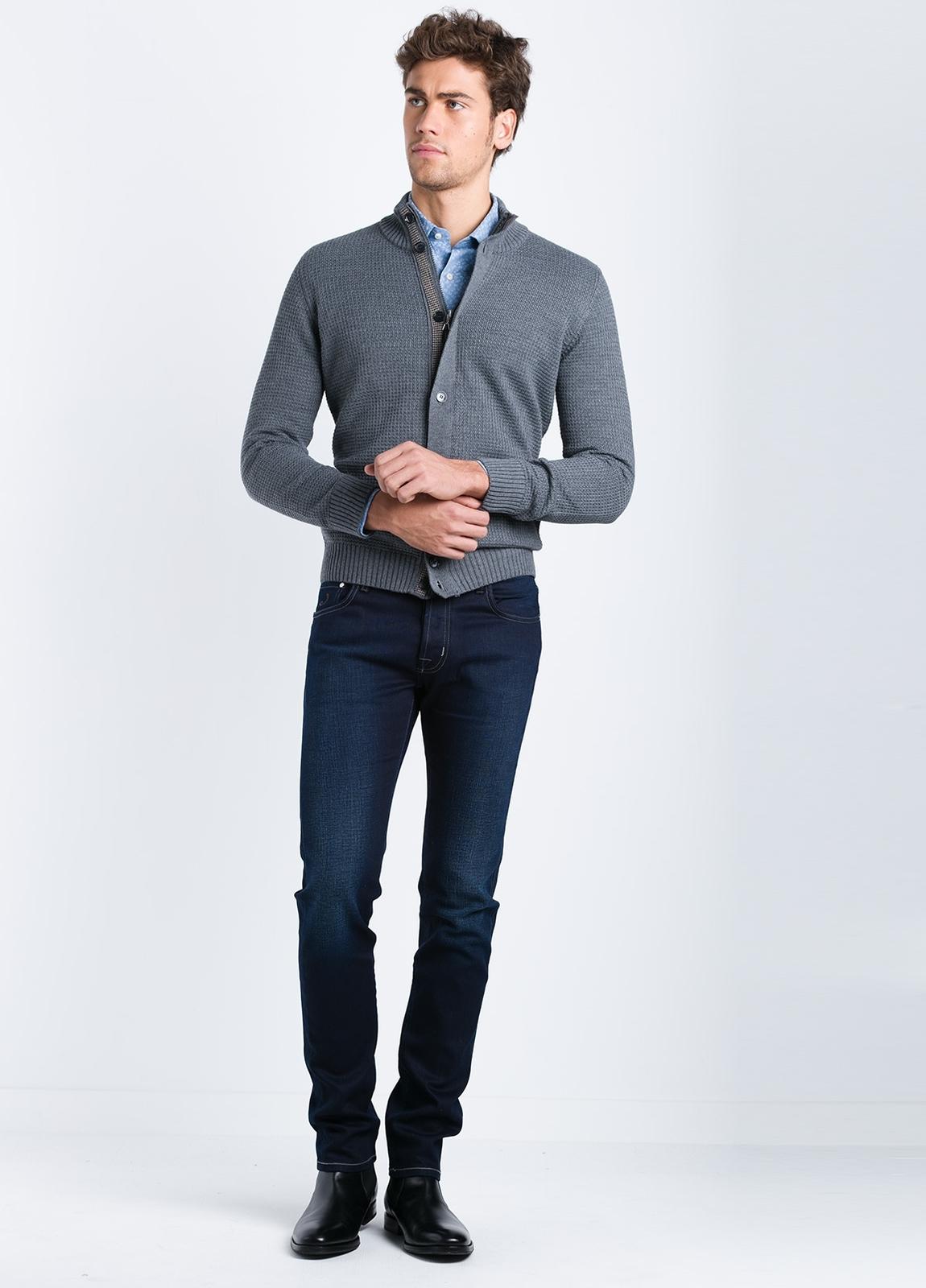 Cárdigan cremallera y botones con tapeta contrastada color gris. - Ítem1