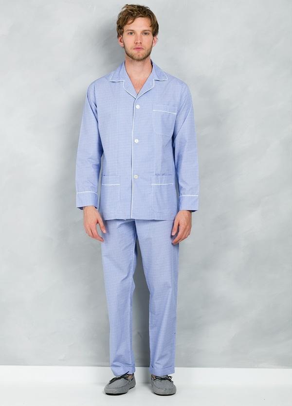 Pijama LARGO dos piezas, pantalón largo con cinta no elástica y funda incluida color azul con micro dibujo, 100% Algodón.